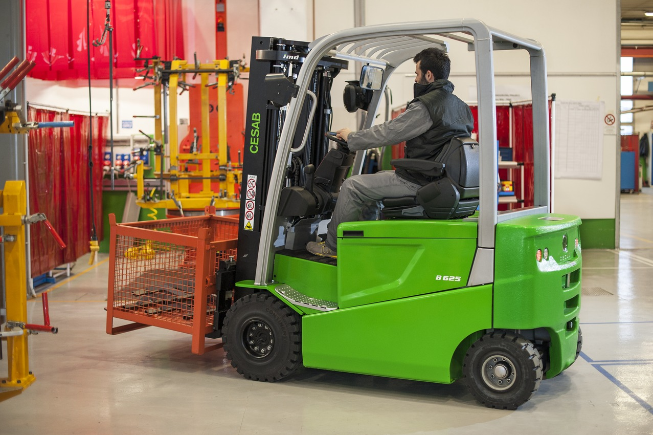 benefits-of-electric-powered-forklift