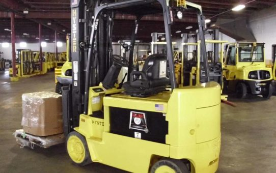 Pros and Cons of Used Forklifts